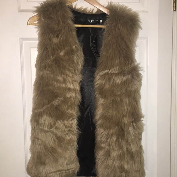 🖤1 Day SALE🖤 NWT wenxi vest